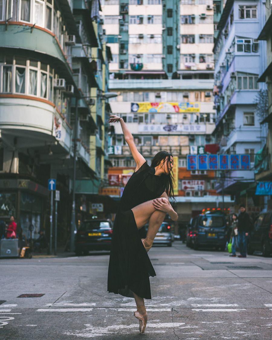 홍콩 거리의 발레 댄서 / Ballet Dancers in the Streets of Hong Kong