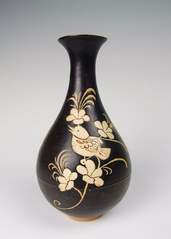 Song Dynasty Jizhou Ware Porcelain Yuhuchun Vase With Bird