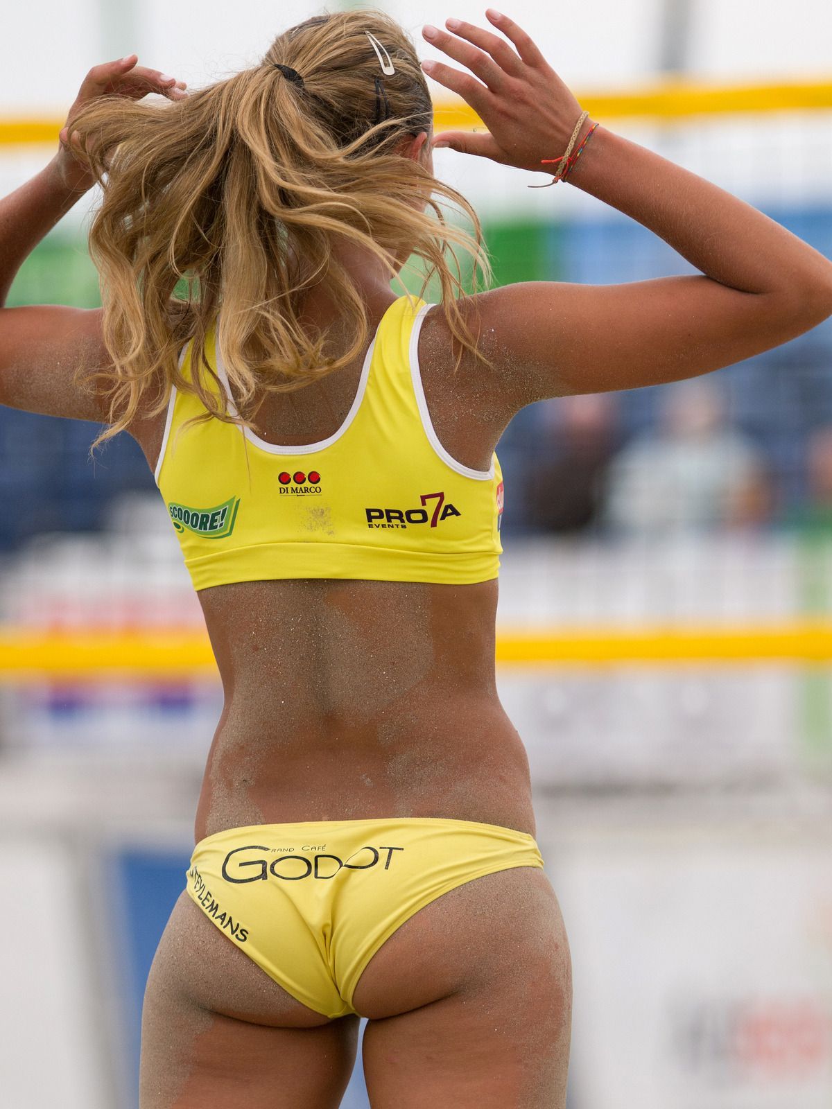 womens-beach-volleyball-bikini-pics