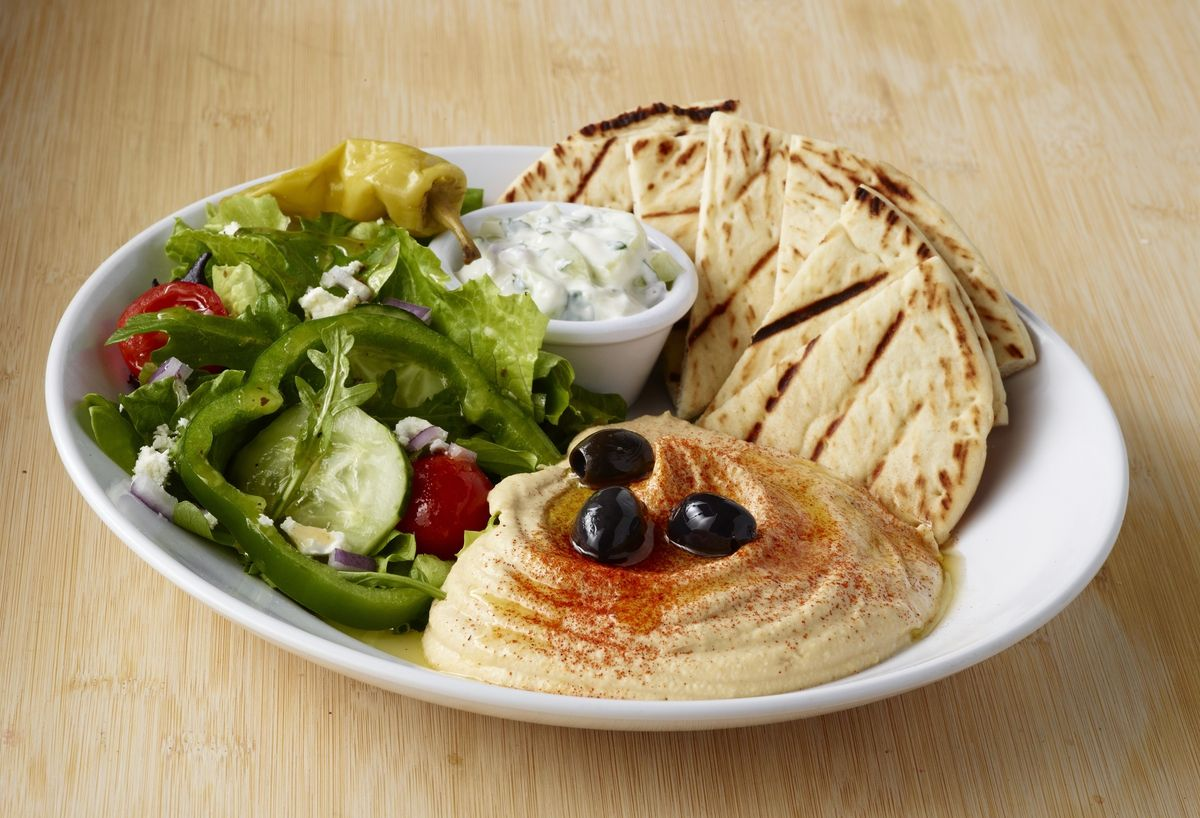 Hummus And Salad Plate From Zoes Kitchen Their Hummus Is