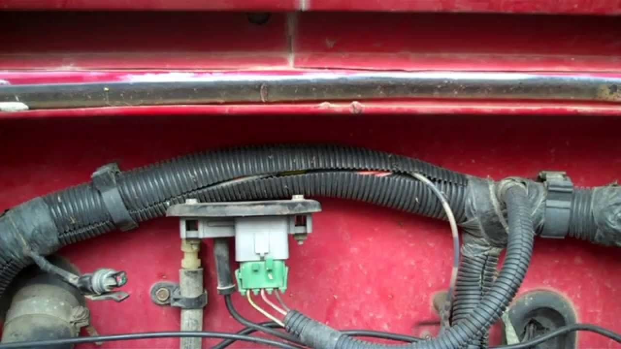 jeep wrangler yj - how to test the map sensor  located on firewall behind  valve cover  to test, using a voltmeter with the ignition on/engine off,