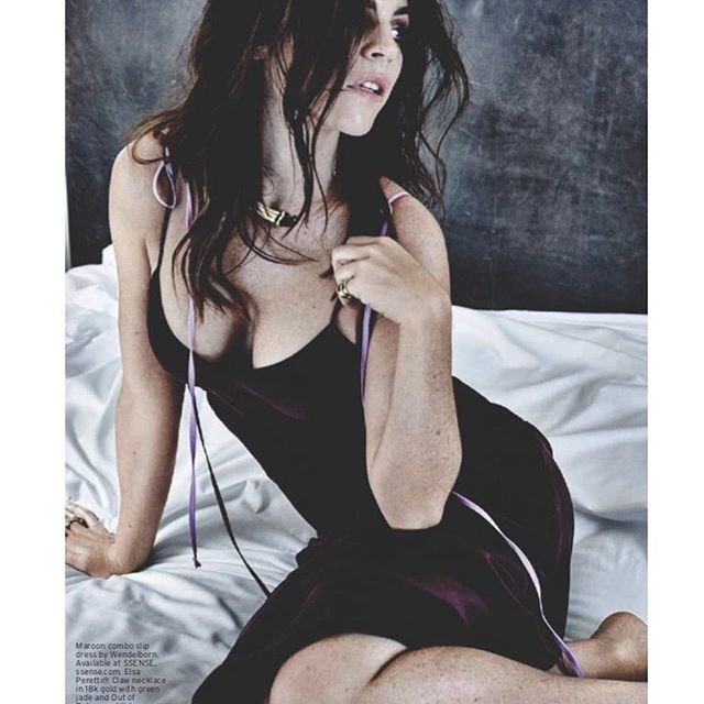🙋🏻 in bed for @avenueinsider by @damon_baker