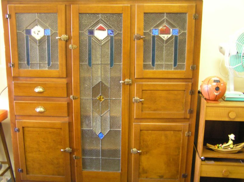 Stunning Leadlight Kitchen Dresser Ebay