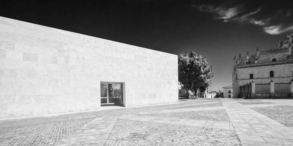 Conclusus: a photographic study by Fabio Candido