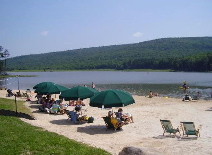 6 More Gorgeous Beaches In West Virginia That You Must Check Out This Summer Snowshoe West Virginia Lake Beach West Virginia