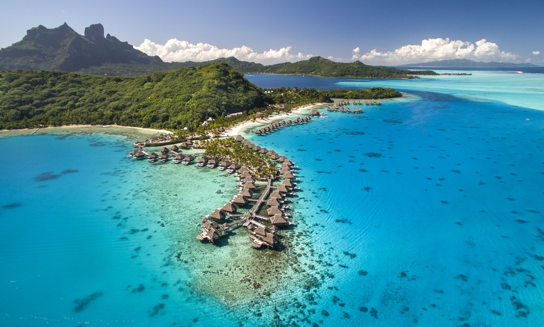 Conrad_Bora_Bora_Nui_Aerial_HR-1  - Verfrissend Luxe Resort: Conrad Bora Bora Nui - Manify.nl