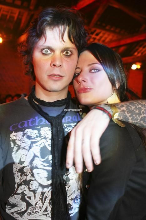 Ville y Jonna: http://heartagramlovers.tumblr.com/post/33390210034