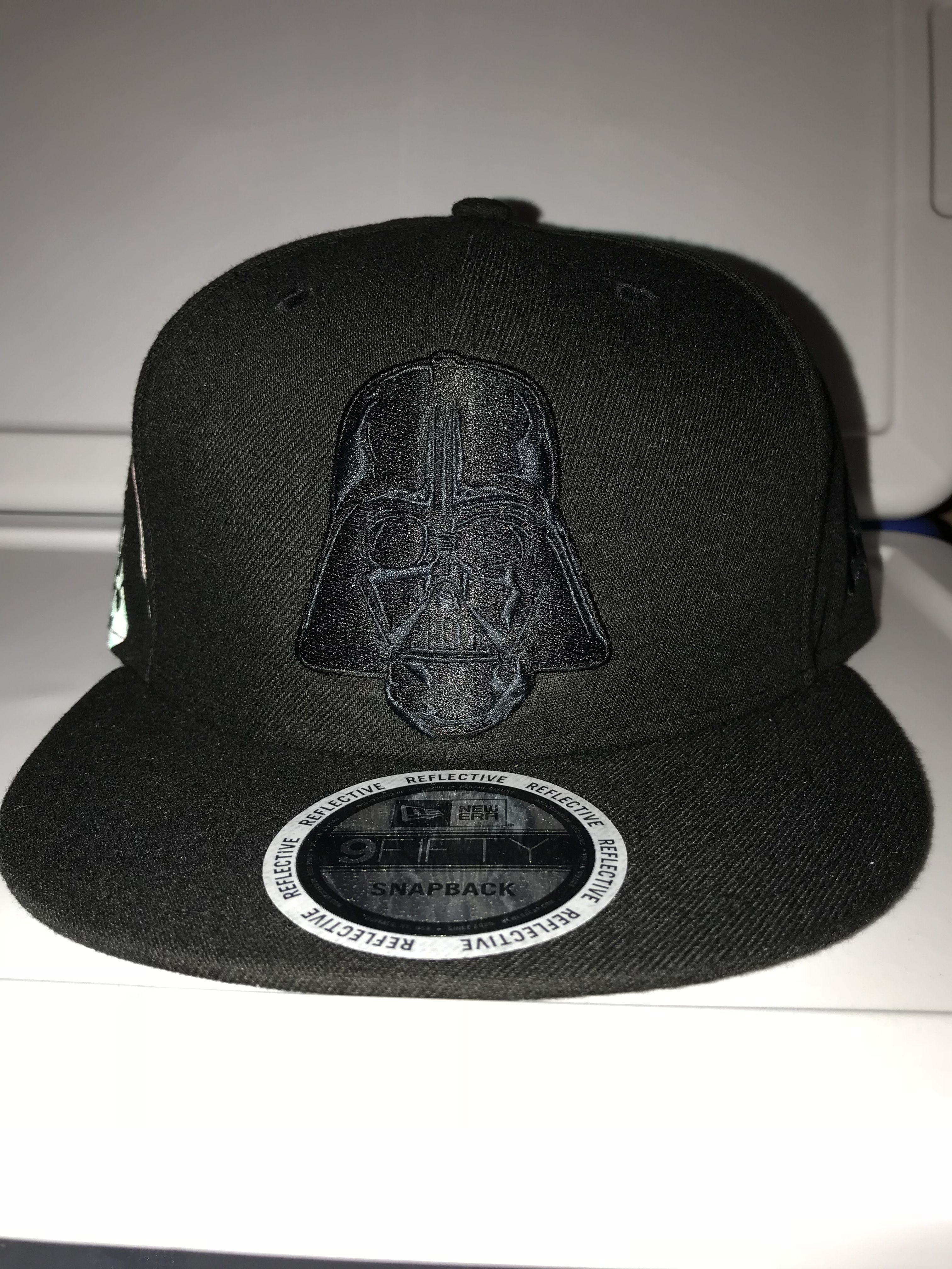 e5e61a93e7276 New era Star Wars Darth Vader side flect with reflective Vader helmet on  side 9FIFTY snapback