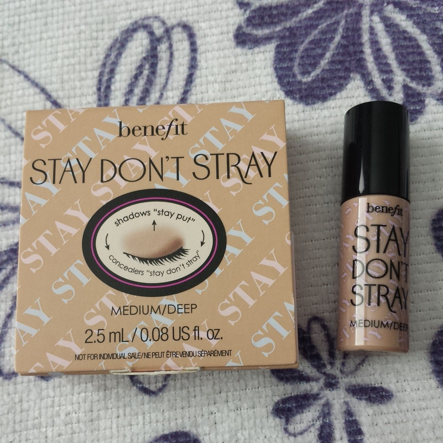 Benefit Stay Don't Stray Primer in Light/Medium Nail