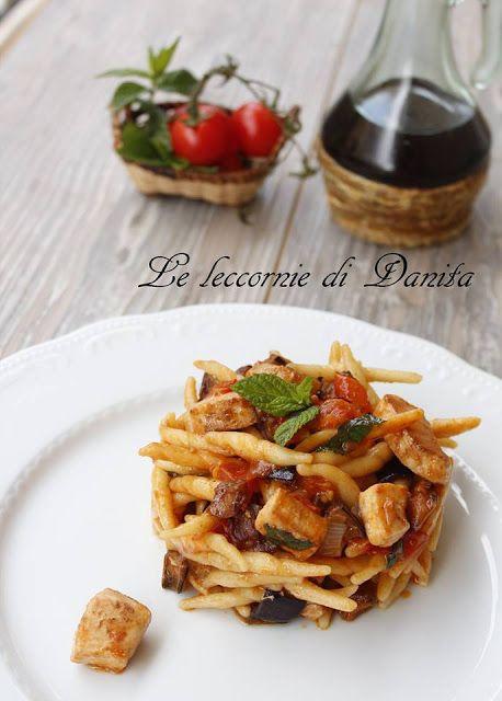 Le leccornie di Danita: Strozzapreti con pesce spada, pomodorini e mentuccia