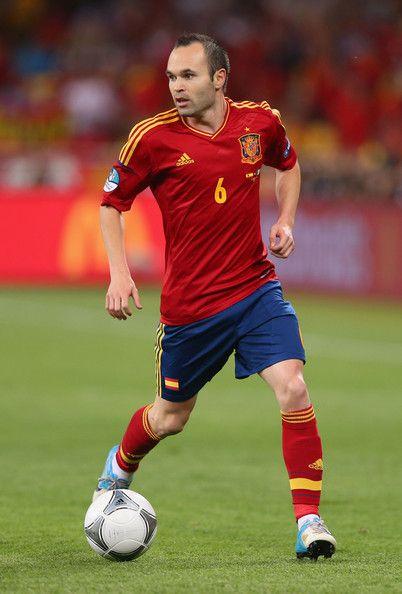 3ffd898d2da252 Andres Iniesta Spain v Italy - UEFA EURO 2012 Final