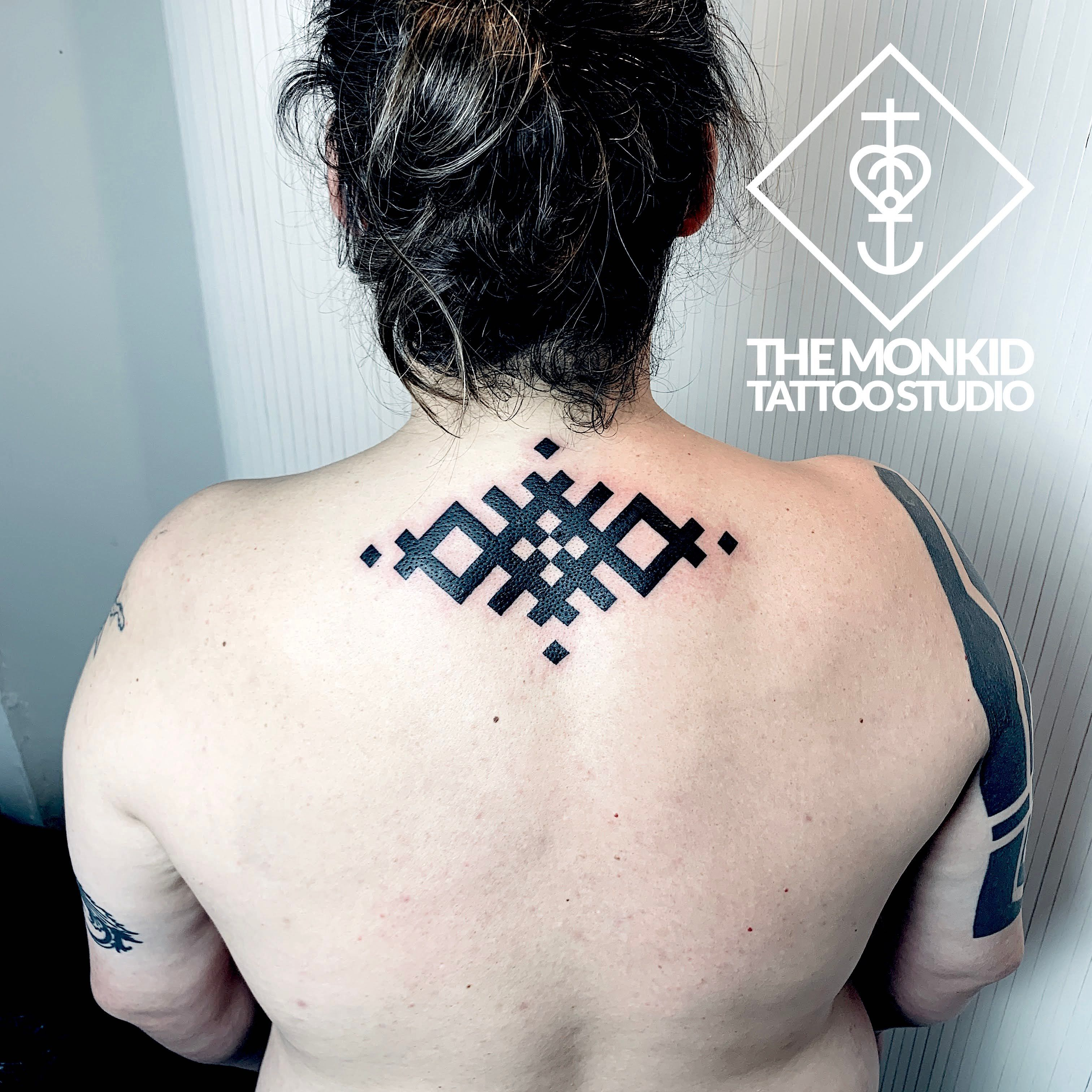 it was such a great pleasure to do this #geometrictattoo from my #flash book. thanks mark, for visiting!