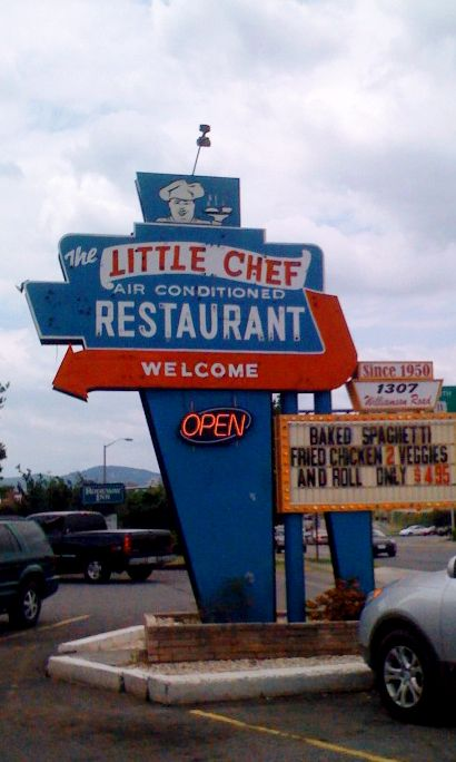 The Little Chef Restaurant On Williamson Rd In Roanoke Va Is Closed Down Now But Their Sign Was Always Awesome We Used To Roanoke Virginia Roanoke Star City