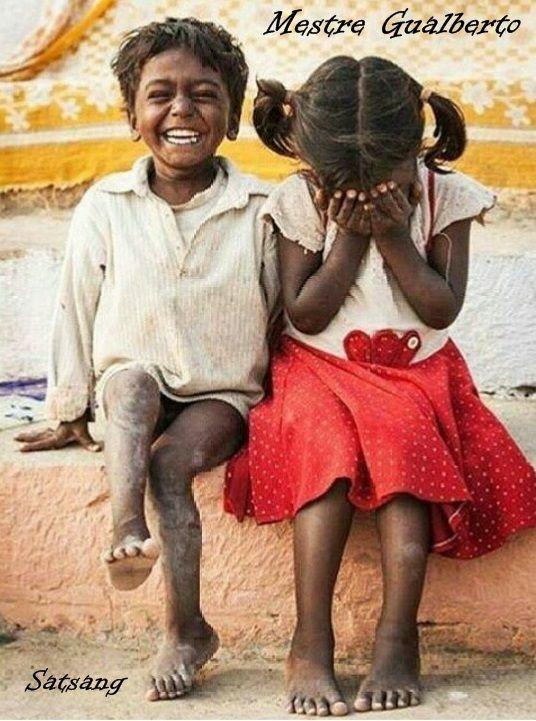 Você não pode deixar de ser o que é porque um pensamento, sentimento ou sensação está aí agora, neste instante. Isso não muda o que Você é, o seu Estado Natural de Ser, que é esse espaço onde tudo isso acontece, esse Estado, que não é um estado, o Estado livre de todos os estados, ou a única experiência livre de todas as experiências, o que podemos chamar do que quisermos: Liberdade, Beatitude, Paz, Amor, Felicidade… esse Estado no qual os estados acontecem e as experiências aparecem.