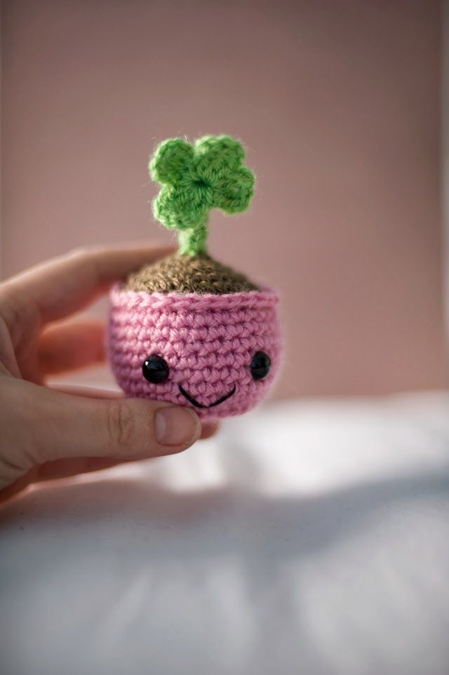 Scroll down for pattern in English and to download   crochet ...