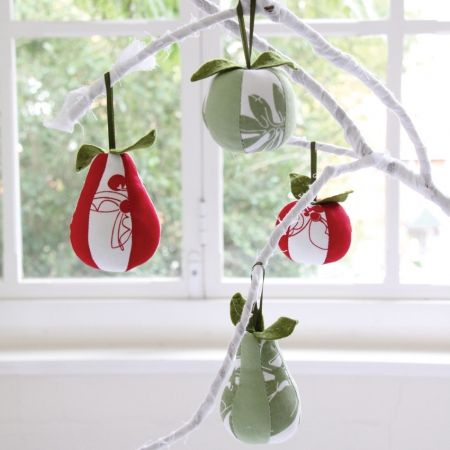 Set of 4 decorations for the price of 3 - hardtofind. #hardtofind #hard #find # holiday #xmas #christmas #decoration