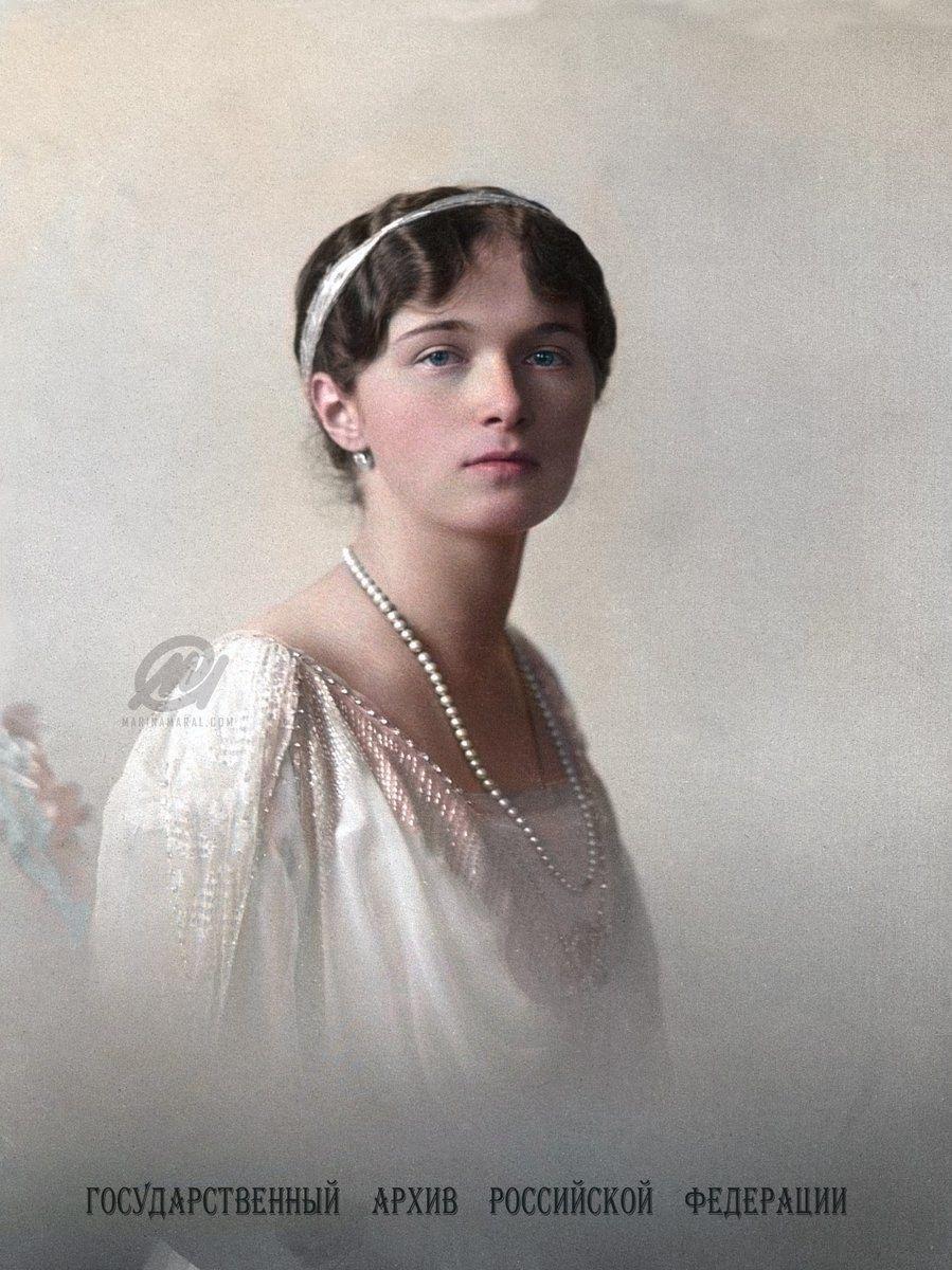 Grand Duchess Olga Nikolayevna Romanova The Eldest Daughter Of The Last Russian Tsar Nikolai The Photo Was Taken In 191 Schwarz Weiß Fotos Schwarz Weiß Fotos