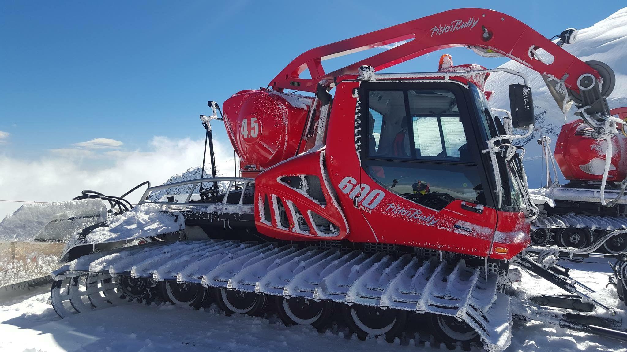 Pisten Bully | Snowcats-Grooming | Monster trucks, Vehicles, Tractors