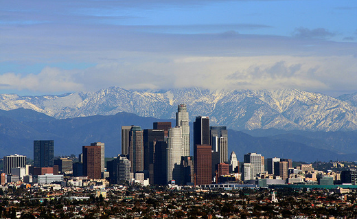 A New Video Uses A Unique Analogy To Explain The Important Differences Between Weather And Clim Los Angeles Tourism Los Angeles Attractions Los Angeles Skyline