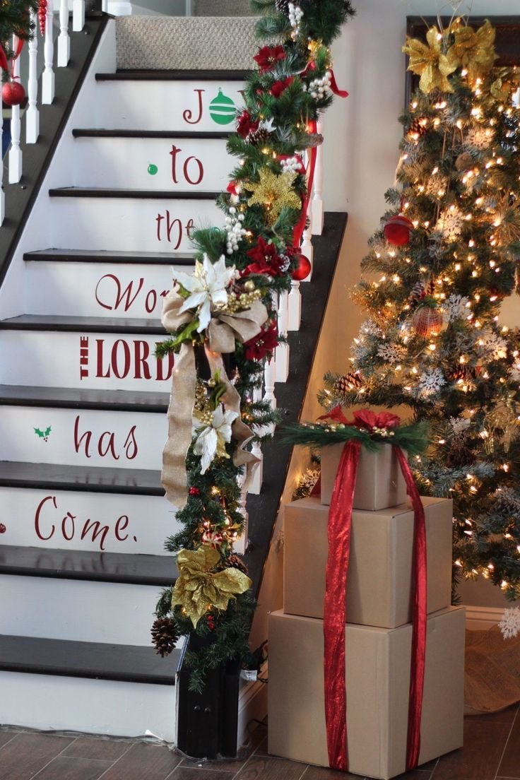 How-to video tutorial on how to create an amazing Christmas staircase on a  budget