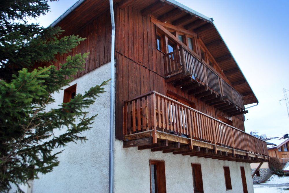 Fantastic Ski Holiday Catered Chalets In France Avec Images