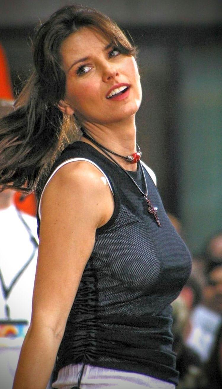 Shania Twain, born Eilleen Regina Edwards; August 28, 1965