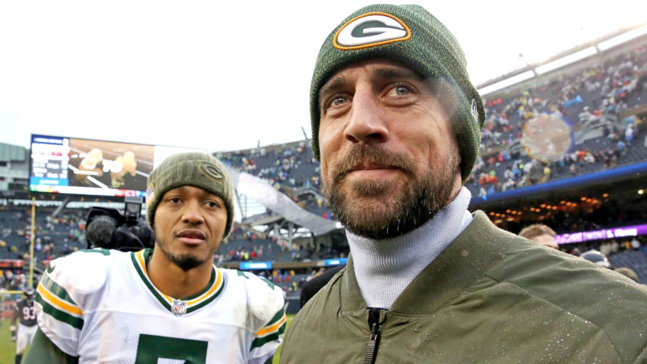 Packers Rodgers Impresses As Scout Team Qb Aaron Rodgers Packers Green Bay Packers