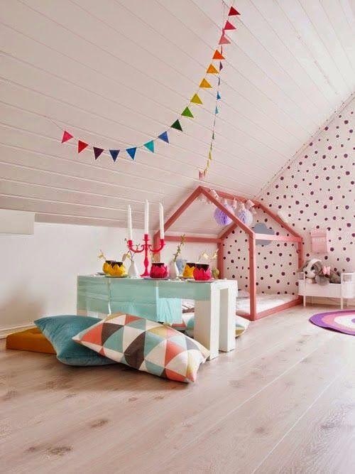 Voilà ce qu\'on peut faire dans une chambre mansardée!! un lit cabane ...