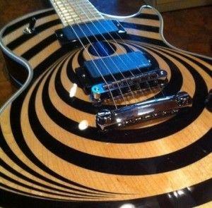 Gibson Les Paul Custom Vertigo The Combo Of Natural Wood And Rich Black Detail Make One Stunning Guitar Guitar Les Paul Zakk Wylde