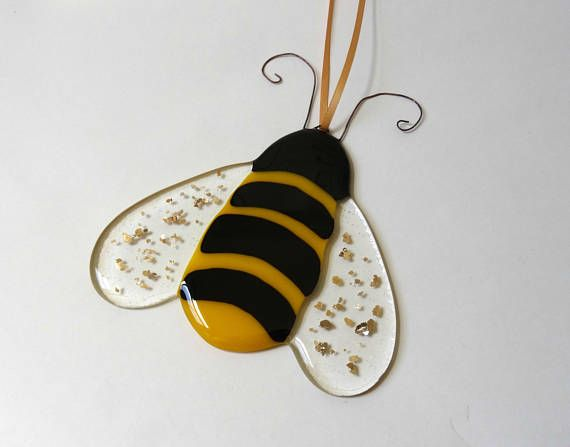 Fused glass bumble bee glass bee handmade stained glass for Bumble bee mural
