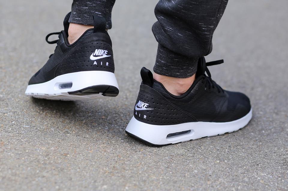 reebok pump personnalisable - Nike Air Max Tavas SE 'Black/White'   I Like   Pinterest   Nike ...