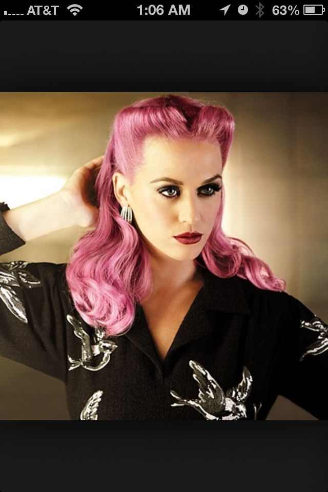 Vintage Hair Style With Futuristic Hair Color Retro Hairstyles Rockabilly Hair Vintage Hairstyles