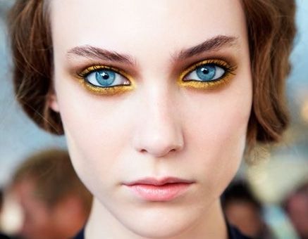 Bright Yellow Gold Eye makeup will make your eyes POP