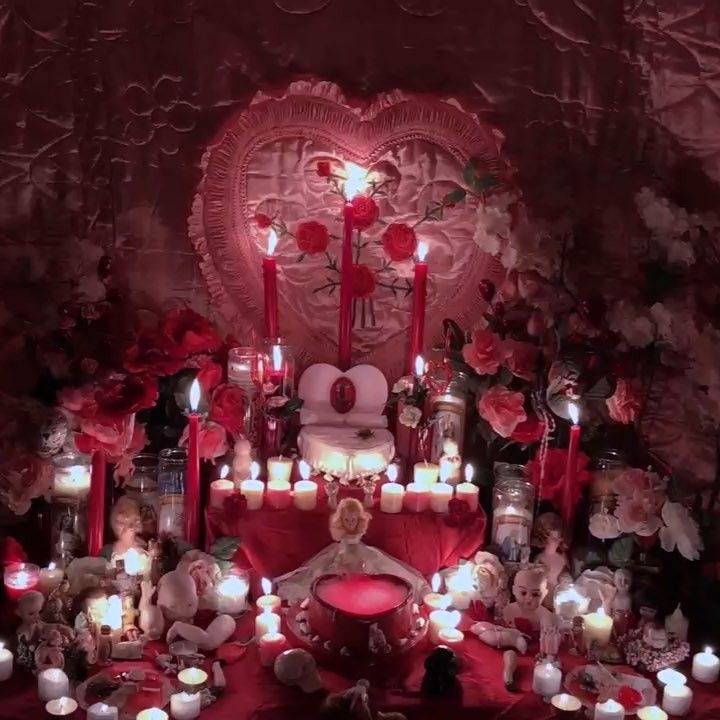 Hear The 1st Clip Of Heart Shaped Bed Nicole Dollanganger Red Aesthetic Holiday