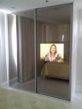 Resultado De Imagem Para Guarda Roupa Com Tv Embutida Na Porta