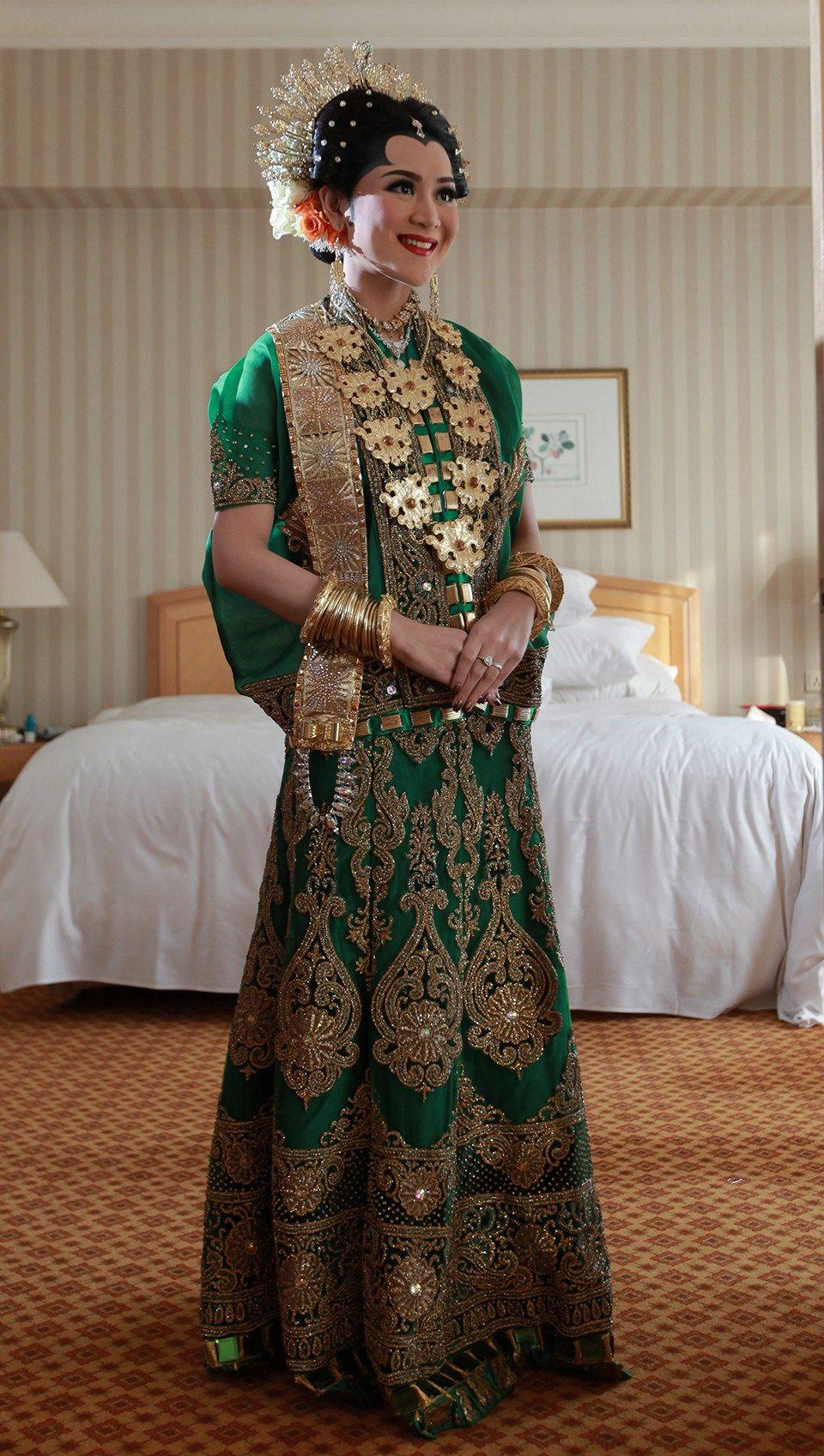 Serunya Perpaduan Adat Makasar dan Palembang Di Pernikahan Alda