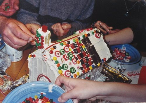 Girl's Gone Child: Eat (Not so) Well: Gingerbread Houses w/ WWW #gingerbreadhousetemplate Girl's Gone Child: Eat (Not so) Well: Gingerbread Houses w/ WWW #gingerbreadhousetemplate