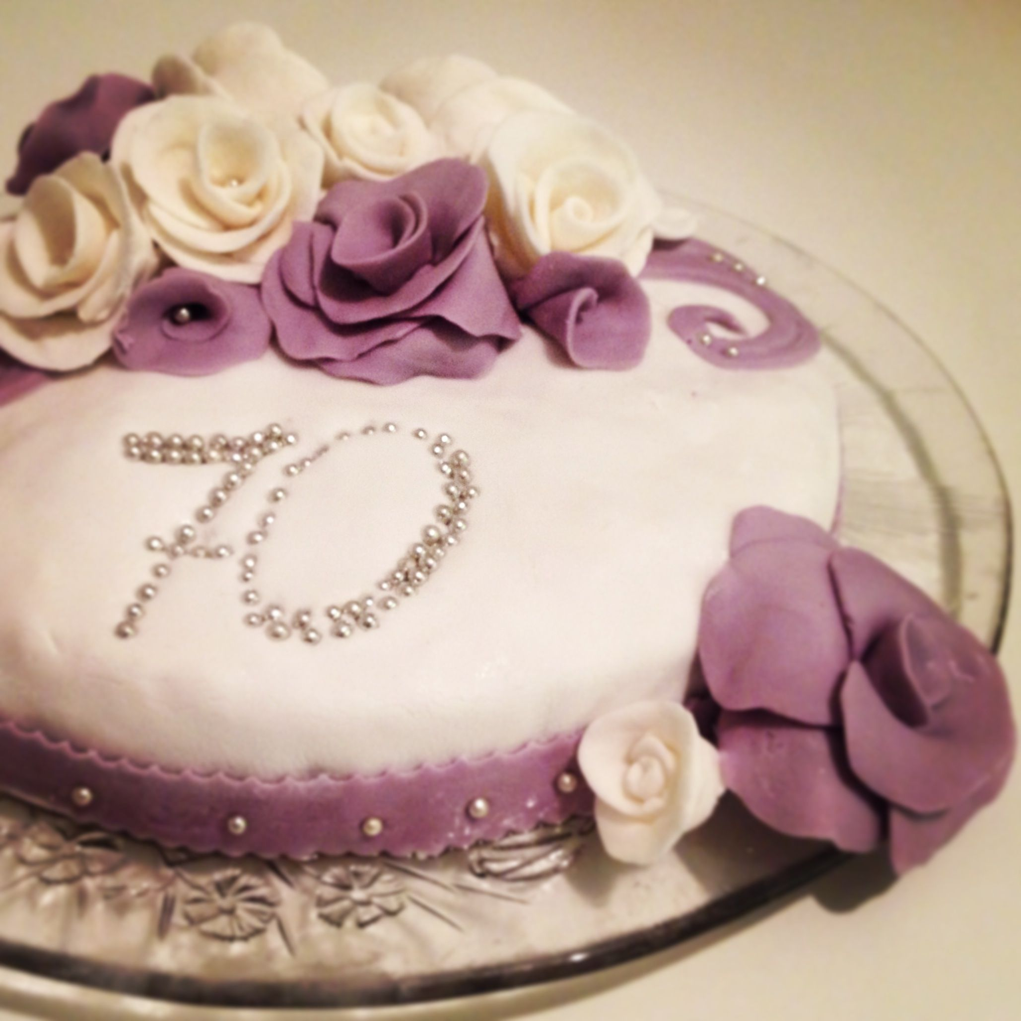 My first cake with design an idea for the mothers birthday