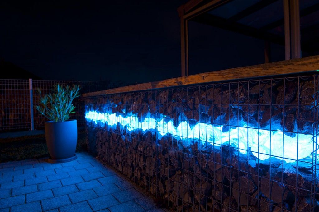 Gabion fence with lit glass i love it gabion - Mur de galet exterieur ...