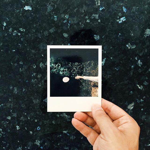 Rivedo il colore del mio mare in ogni dove. Conto i giorni che mi separano da te. #Salento... terra mia sto tornando   Thanks to @clixxie for this beautiful gift. #polaroid photos best quality // #visitpuglia