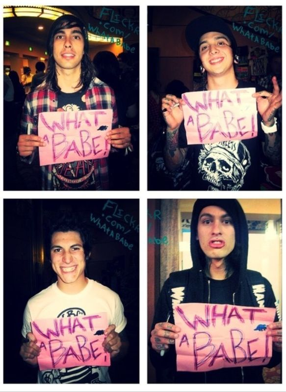 tony perry pierce the veil smiling