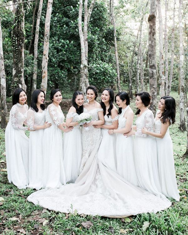 Wedding Entourage Gowns: A Romantic Wedding In Laguna With Green And White Details