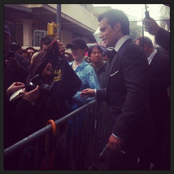 #HenryCavill greeting fans at the #ManofSteelPremiere