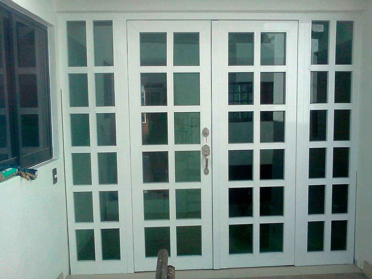 23 Puertas corredizas de herreria con vidrio