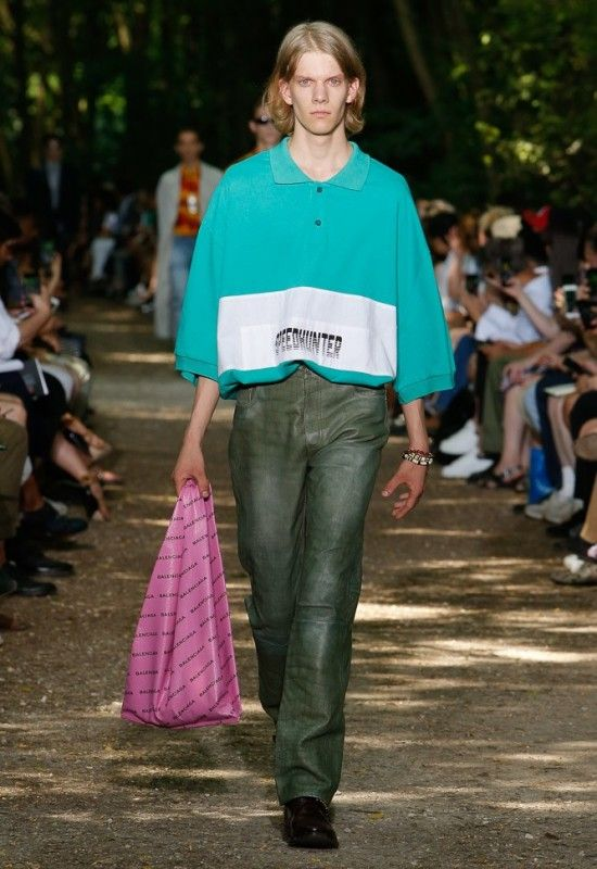 tout neuf 99e5c fb163 Everything You Need to Know About Balenciaga Men's SS18 Show ...