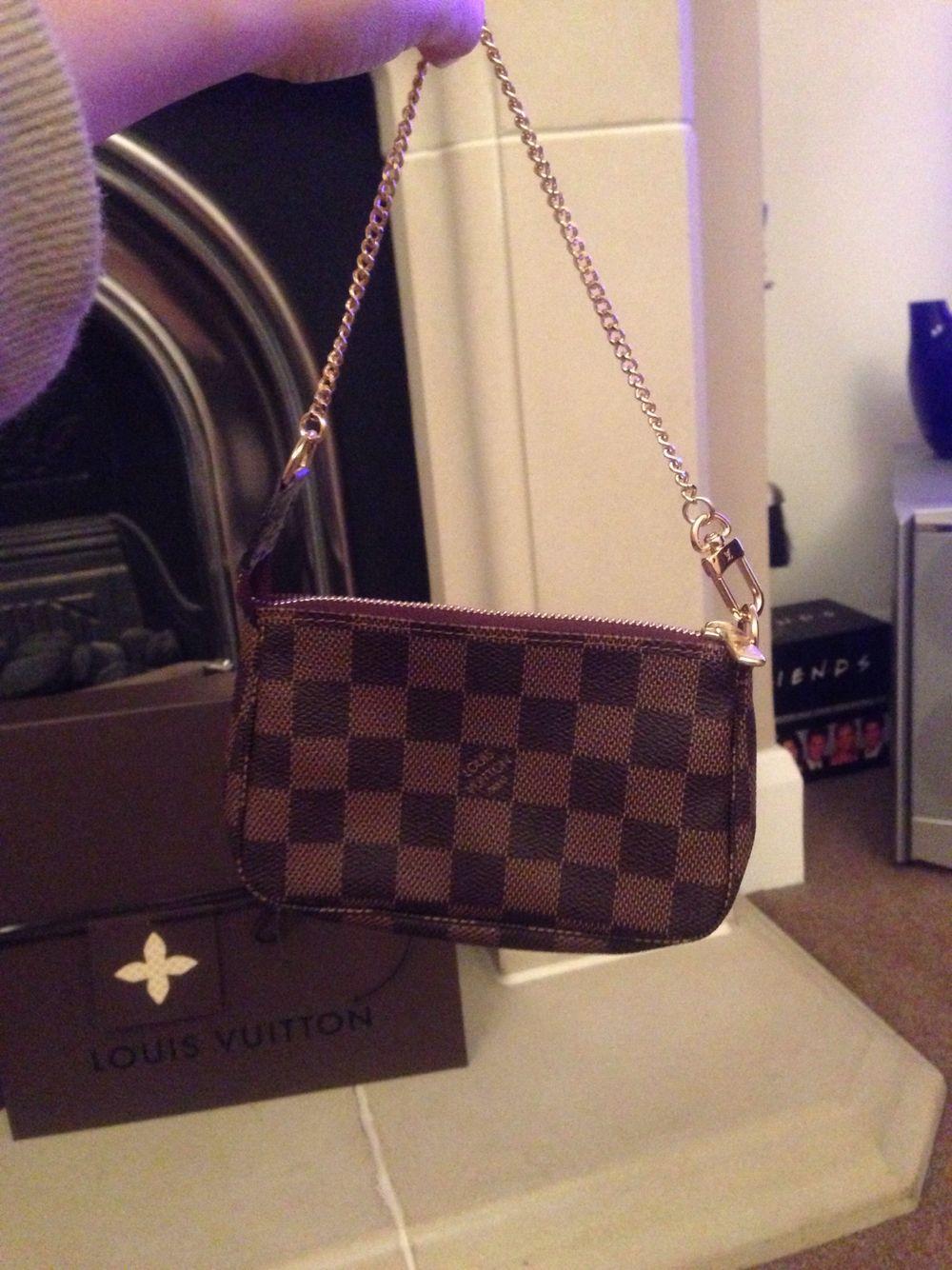 918ecc5b2a30 Louis Vuitton mini pochette Damier ebene