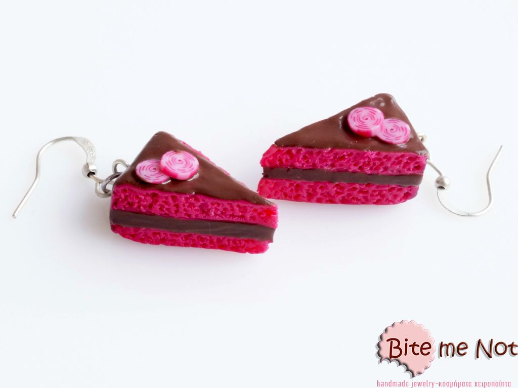 Chocolate-strawberry pastries! -Silver plated hook earrings!  -Chocolate-strawberry pastries with chocolate sauce and candies on top!