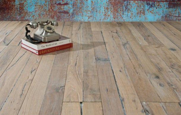 Vergrijsd oud frans eiken planken vloer door de vloerderij