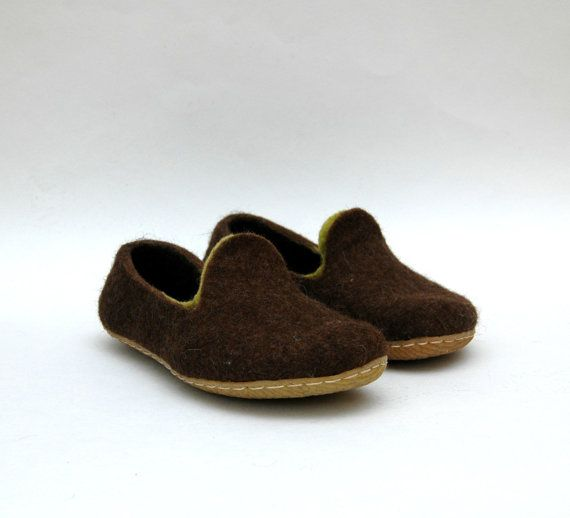 9c292276e9909 Felted shoes - MEN slippers - Home shoes - Handmade brown Loafers ...