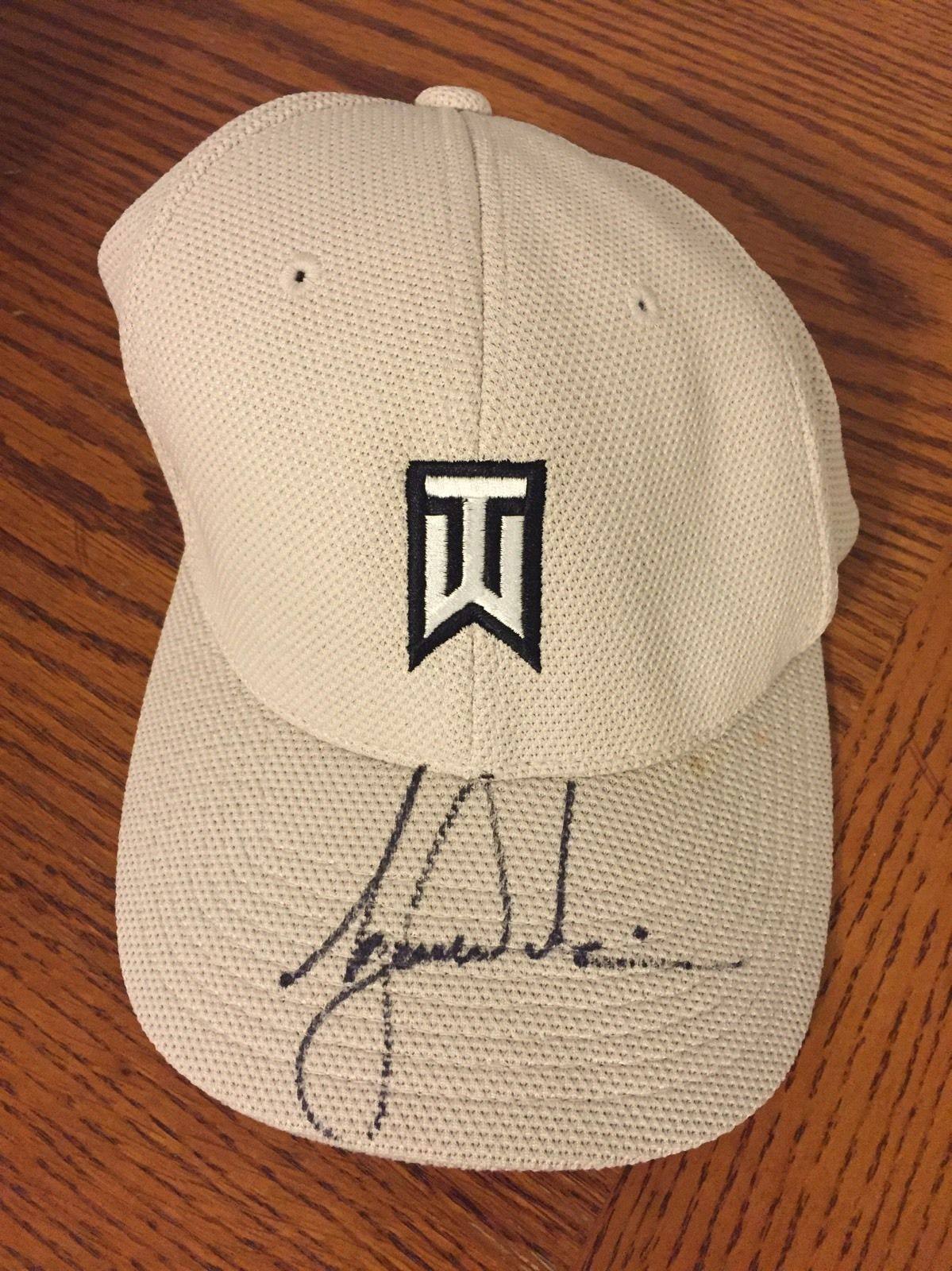 170ba7cc8aa Tiger Woods Signed Golf Hat Pga Tour Autographed